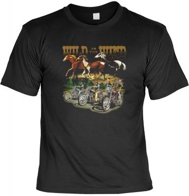 Top Qualität! HK_MTS_01_10190-P16 mit dem Motiv: <br><b>Biker Pferde Tshirt Wild as the Wind Fb schwarz</b>,fällt sofort ins Auge und sorgt für einen gelungenen Auftritt.<br><br>T-shirt namenhafter Hersteller in bester Qualität, wie <b>Stedman</b> oder <b